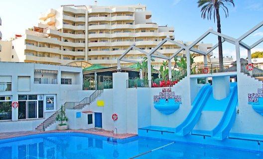 Apartamentos Benal Beach Select