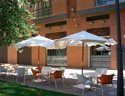 Apartamentos plaza picasso valencia valencia for Nh jardines del turia