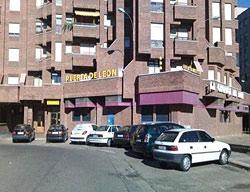 Apartamentos Puerta De León