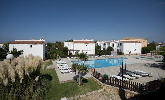 Apartamentos sa caleta playa ciudadela menorca for Apartamentos hovima jardin caleta