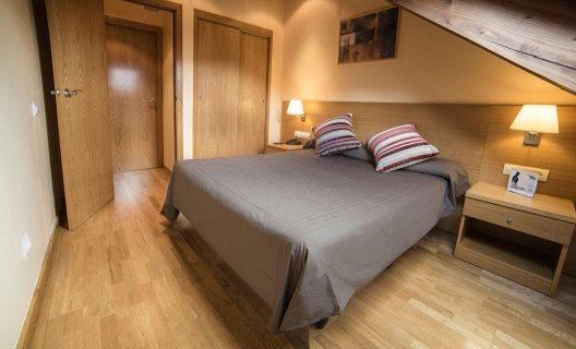 Aparthotel augusta sant quirze de taull lleida - Apartamentos boi taull resort ...