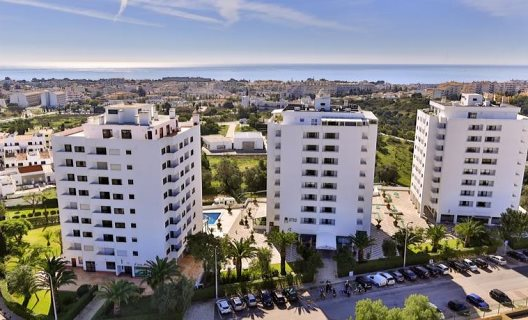 Aparthotel Janelas Do Mar