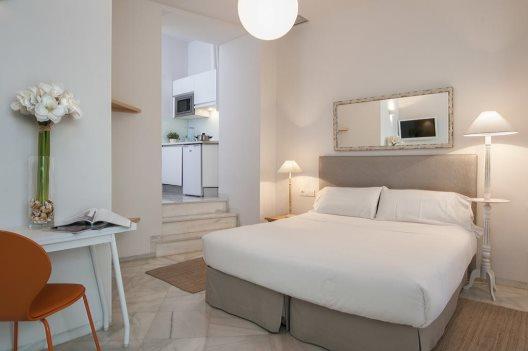 Aparthotel suites sevilla plaza sevilla sevilla for Suites sevilla plaza