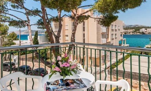 Aparthotel surfing playa santa ponsa mallorca for Aparthotel jardin de playa santa ponsa