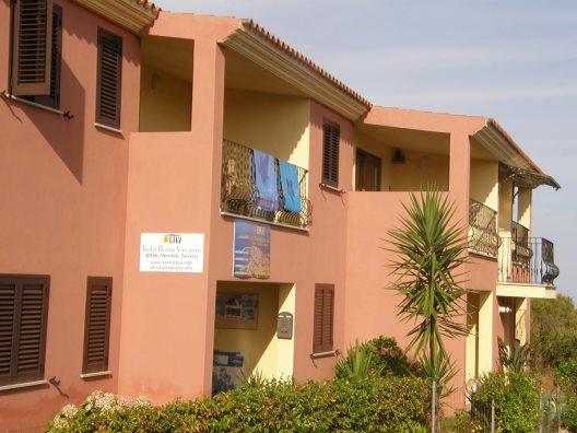 Viaje Cerdeña Appartamenti Paduledda%>