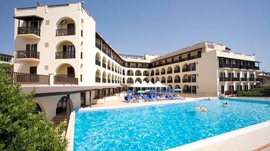 Viaje Cerdeña Hotel Calabona%>