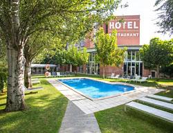 Hotel ciutat de granollers granollers barcelona for Piscinas de granollers