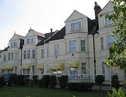 Hotel Croydon Court