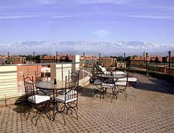Hotel Dellarosa Suites And Spa