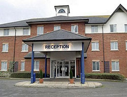 Hotel Express By Holiday Inn Gatwick Crawley