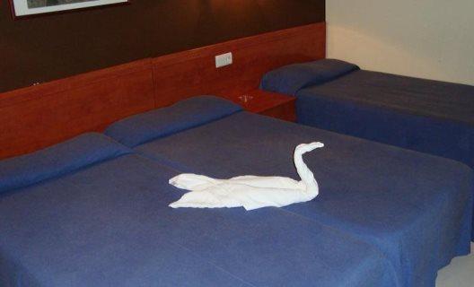 Hotel guineu pas de la casa andorra - Hotel camelot pas de la casa ...