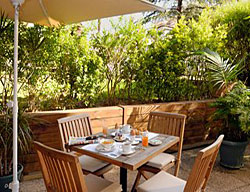 Hotel Holiday Inn Garden Court Cannes-le Cannet