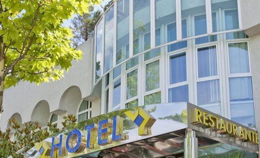 Hotel jardin de tres cantos tres cantos madrid for Hotel jardin tres cantos