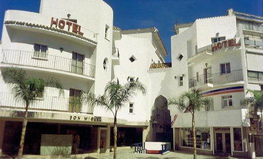 Hotel kristal torremolinos m laga for Hotel kristal torremolinos piscina