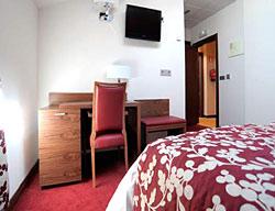 hotel leonor de soria: