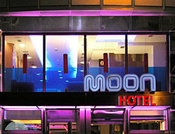 Hotel Moon