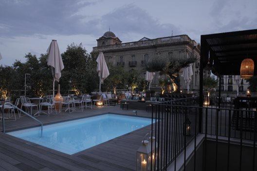 hotel oasis barcelona barcelona. Black Bedroom Furniture Sets. Home Design Ideas