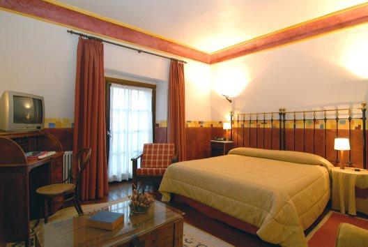 Hotel posada real casa del abad de ampudia ampudia palencia - Posada real casa del abad ...