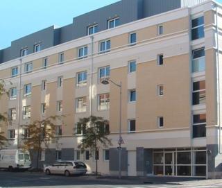 Hotel Séjours & Affaires Reims Clairmarais