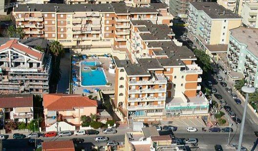 Viaje Cerdeña Residence Gardenia%>